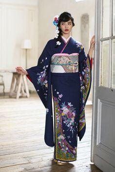 小松菜奈 Furisode Kimono, Yukata, Traditional Japanese Kimono, Traditional Dresses, Japanese Models, Japanese Fashion, Nana Komatsu Fashion, Komatsu Nana, Kimono Japan