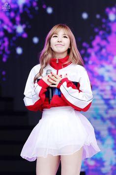 """Những sao nữ K-Pop xinh lung linh hơn nhờ """"lúm đồng tiền"""" xinh xắn - TinNhac.com"""