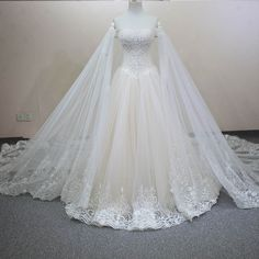 Actual Images Luxury Bridal Gown Crystals Beading Lace Detachable Chapel Train Champnage Wedding Dress WD0125