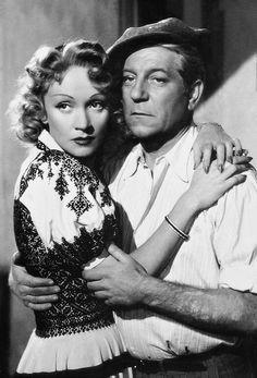 Marlene Dietrich et Jean Gabin dans Martin Roumagnac, 1946.
