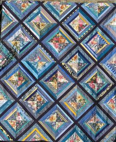 Flowers string quilt by Peoniagialla, via Flickr