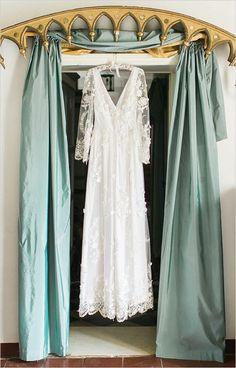 Italian lace wedding dress @weddingchicks
