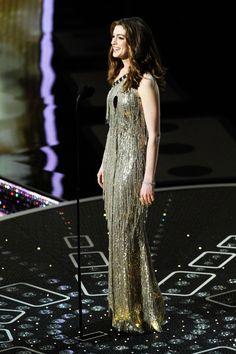 Oscar de la Renta: In Honor Of a Legend. Anne Hathaway, The Academy Awards, February 2011.