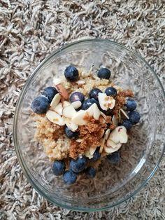Blueberry quinoa porridge