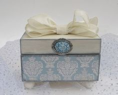 Items similar to Decorative Keepsake Trinket Jewelry Box Versailles Damask French Blue or Ring Bearer Box on Etsy Decoupage Vintage, Vintage Crafts, Ring Bearer Box, Hat Boxes, Pretty Box, Altered Boxes, Treasure Boxes, Dose, Box Design