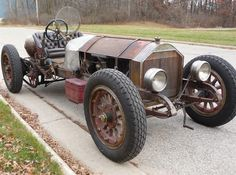 1915 American LaFrance speedster in original condition. 802 ci, 105 hp 6 cylinder cast in pair engine w/ dual chain drive. What a beast!!!