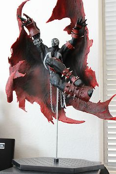 "12"" Spawn Classic Comic Cover i043 McFarlane Toys.  One of the best creations Todd McFarlane has created."