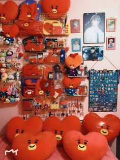 Fantastic Dorm Room Decorating Ideas on A Budget Bts Doll, V Chibi, Army Room Decor, Bts Clothing, Kpop Merch, Aesthetic Room Decor, I Love Bts, Album Bts, Bts Group
