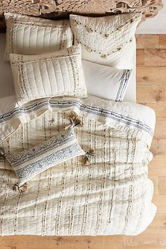 Love Love quilt add on etc anthropologie Turi Quilt Dream Bedroom, Home Bedroom, Bedroom Decor, Bedrooms, Master Bedroom, French Style Homes, European Home Decor, Spacious Living Room, Home And Deco