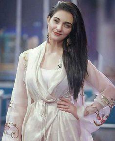Fashion Style Two Sara Khan Pakistani, Pakistani Girl, Pakistani Actress, Beautiful Girl Photo, Beautiful Girl Indian, Most Beautiful Indian Actress, Pakistani Dresses Casual, Pakistani Dress Design, Beauty Full Girl
