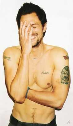 Say what you want, Johnny Knoxville is one of the sexiest men alive.