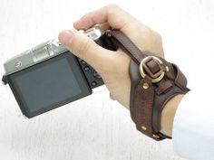 20a7badb6da9 [画像] ULYSSES、一眼レフ・ミラーレス向けの本革リストストラップ(1/8) - デジカメ Watch Watch