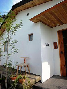 コンセプトイメージ Exterior House Colors, Exterior Design, Interior And Exterior, Minimalist Architecture, Interior Architecture, House Front, My House, Adobe House, House Entrance