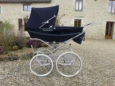 Pram Stroller, Baby Strollers, Silver Cross Prams, Bring Up A Child, Vintage Pram, Baby Prams, Baby Carriage, Vintage Coach, Beautiful Babies