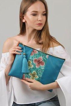 This domain may be for sale! Fashion Handbags, Purses And Handbags, Fashion Bags, Handbags On Sale, Embroidery Bags, Diy Handbag, Boho Bags, Pouch Bag, Pouches