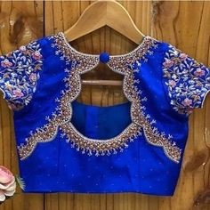 Pattu Saree Blouse Designs, Blouse Designs Silk, Designer Blouse Patterns, Bridal Blouse Designs, Blouse Back Neck Designs, Traditional Blouse Designs, Simple Blouse Designs, Stylish Blouse Design, Embroidery Suits