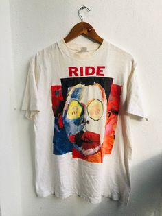 Vintage OG RIDE Band 'Going Blank Again' Shoegaze Art Design T-Shirt by Nonamecolecctions on Etsy Vintage Shirts, Vintage Outfits, France Colors, Blank T Shirts, Tee Design, Casual T Shirts, Used Clothing, Custom Clothes, Outfits