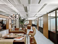 Rockwell Group has designed a new co-working space located in New York City called Neuehouse. Neuehouse is a new concept in shared work spaces designed Corporate Interiors, Office Interiors, Dark Interiors, Corporate Design, Visual Merchandising, Rockwell Group, Office Images, Interior Work, Design Furniture