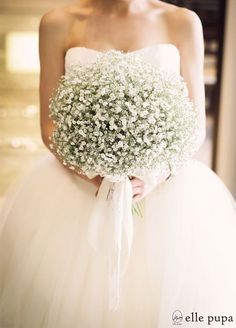 Baby's breath is used in everything from wedding bouquets to centerpieces. Here are some baby's breath wedding ideas for bouquets, centerpieces, and decor. Inexpensive Wedding Flowers, Church Wedding Flowers, Boquette Wedding, Vintage Wedding Flowers, Diy Wedding Bouquet, White Wedding Bouquets, Wedding Ideas, Wedding Dresses, Bridal Bouquets