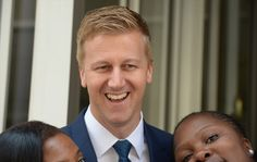 Axed Idols judge Gareth Cliff won a mammoth lawsuit against M-Net on Friday, hours before the first auditions for the show were due to start … South African Celebrities, South African News, Eye Makeup Tips, In Law Suite, Cliff, Idol, Celebs, Singer, Sad