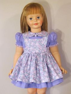 Girls Dresses Sewing, Sewing Doll Clothes, Sewing Dolls, Doll Dresses, Barbie Clothes, Flower Girl Dresses, Doll Patterns, Dress Patterns, Vintage Style Outfits