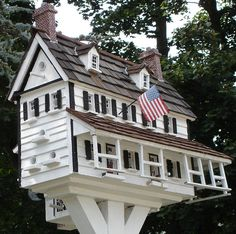 Now that's a birdhouse..