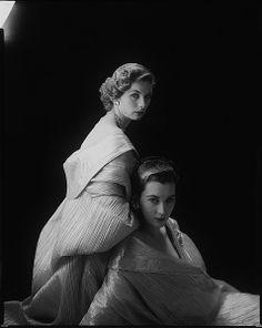 Suzy Parker (L) and Dovima, November 1952, photo by Milton Greene