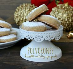 Polvorones biscotti natalizi spagnoli sono i protagonisti della ricetta di oggi biscotti deliziosi che si conservano per 15 giorni Ricetta polvorones