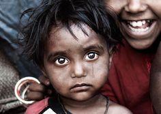 Nel nuovo censimento di Delhi è scritta la verità sul genocidio delle bambine: nei primi 4 anni di vita muoiono quasi il doppio dei maschi. E la