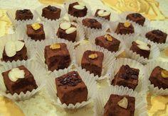Vajaspánkó: Earl Grey trüffel Earl Gray, Mini Cupcakes, Fudge, Cheesecake, Muffin, Grey, Breakfast, Desserts, Macaron