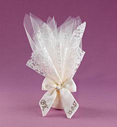 Baptism Favors, Wedding Gifts, Wedding Cakes, Wedding Colors, Initials, Handmade Jewelry, Tulle, Presents, Monogram