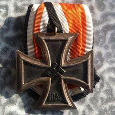 EK2 Military Art, Military History, War Medals, Crosses, Badges, Wwii, Iron, Culture, Vintage