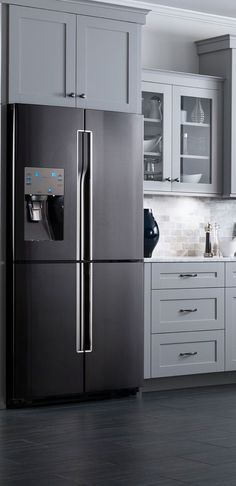 Black stainless steel appliances add a pop of color to a neutral kitchen | #LGlimitlessdesign #contest