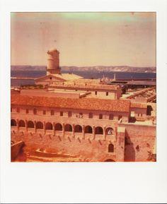 Fort St Jean - Tour du roi René #MuCEM #Marseille #polaroid #FortSaintJean #tour #fort #SX70 #vue #mer / www.marseillepolaroid2013.com