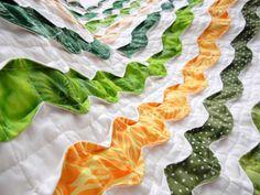 野菜をイメージして作った凸凹立体キルトです。クリブサイズ~ひざ掛けサイズです。こちらに何点か追加の写真を掲載しておりますので、もっとよく商品をご覧になられたい... ハンドメイド、手作り、手仕事品の通販・販売・購入ならCreema。
