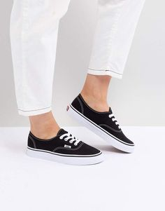 8acb52fa613806 Vans Authentic sneakers in black and white