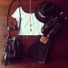 I'd wear this in a heartbeat ♡
