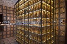 歴史的に有名な本。世界中で研究対象になっている本。後世に残していくべき本。 これらの多くは「紙」に書かれている […]