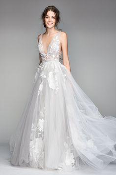 Off White Wedding Dresses, Tulle Wedding, Dream Wedding Dresses, Designer Wedding Dresses, Bridal Dresses, Wedding Gowns, Prom Dresses, Elegant Wedding, Wedding Skirt
