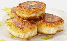 Fritters of cottage cheese - Quick recipes for each day Sweet Recipes, Quick Recipes, Cake Recipes, Cooking Recipes, Cottage Cheese Recipes, Cottage Cheese Pancakes, Manado, Vegetarian Dinners, Russian Recipes