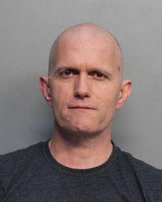 Hallan muerto a un hombre en Miami acusado de abusar de menor española