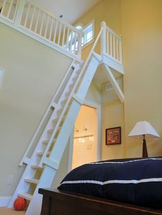 kids bedroom with loft: could be a shared loft between rooms???