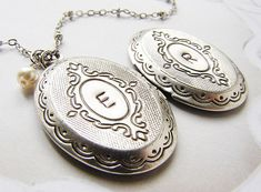 /initial-locket-necklace-personalized