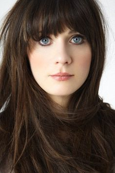Love the neutral makeup on Zooey - makes her eyes pop!