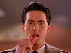 Agent Dale Cooper >>> i don't know if anyone turns me on as fast as km, what a hunk