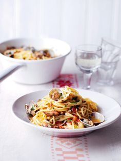 A classic Italian pasta dish, this spaghetti vongole recipe is so easy to make and will be a big hit with family and friends alike.