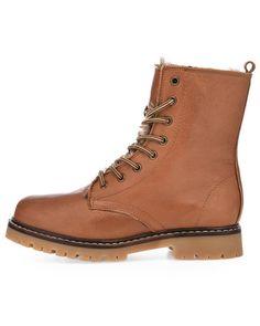 Bianco talvikengät Combat Boots, Shoes, Fashion, Moda, Zapatos, Shoes Outlet, Fashion Styles, Shoe, Footwear