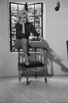 Marilyn Monroe photographed by Allan Grant during her last interview, with LIFE magazine, July, Marylin Monroe, Fotos Marilyn Monroe, Classic Hollywood, Old Hollywood, Salvatore Ferragamo, Cinema Tv, Robert Mapplethorpe, Interview, Sophie Marceau