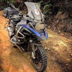Bmw R1200 Gs Adventure Owner: @jose_jaramillo #Motorcycledreams #BmwMotorrad #MakeLifeARide #R1200Gs #Adv #Adventure #Enduro #Touring 1200 Gs Adventure, Off Road Adventure, Trail Motorcycle, Bike Bmw, Off Road Bikes, Hiking Photography, Cars And Motorcycles, Motorbikes, Touring