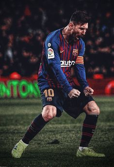Top 10 Best performances of Lionel Messi. Lionel Messi, 6 times Ballon D'or winner , is undoubtedly the best Footballer on Earth. Football Player Messi, Football Players Images, Messi Soccer, Best Football Players, Football Is Life, Football Team, Football Pictures, Messi Pictures, Messi Photos